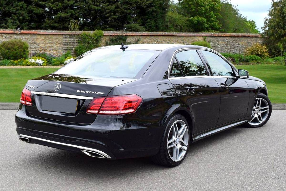 Mercedes benz e 300 for rent samui car rental for Mercedes benz service charges