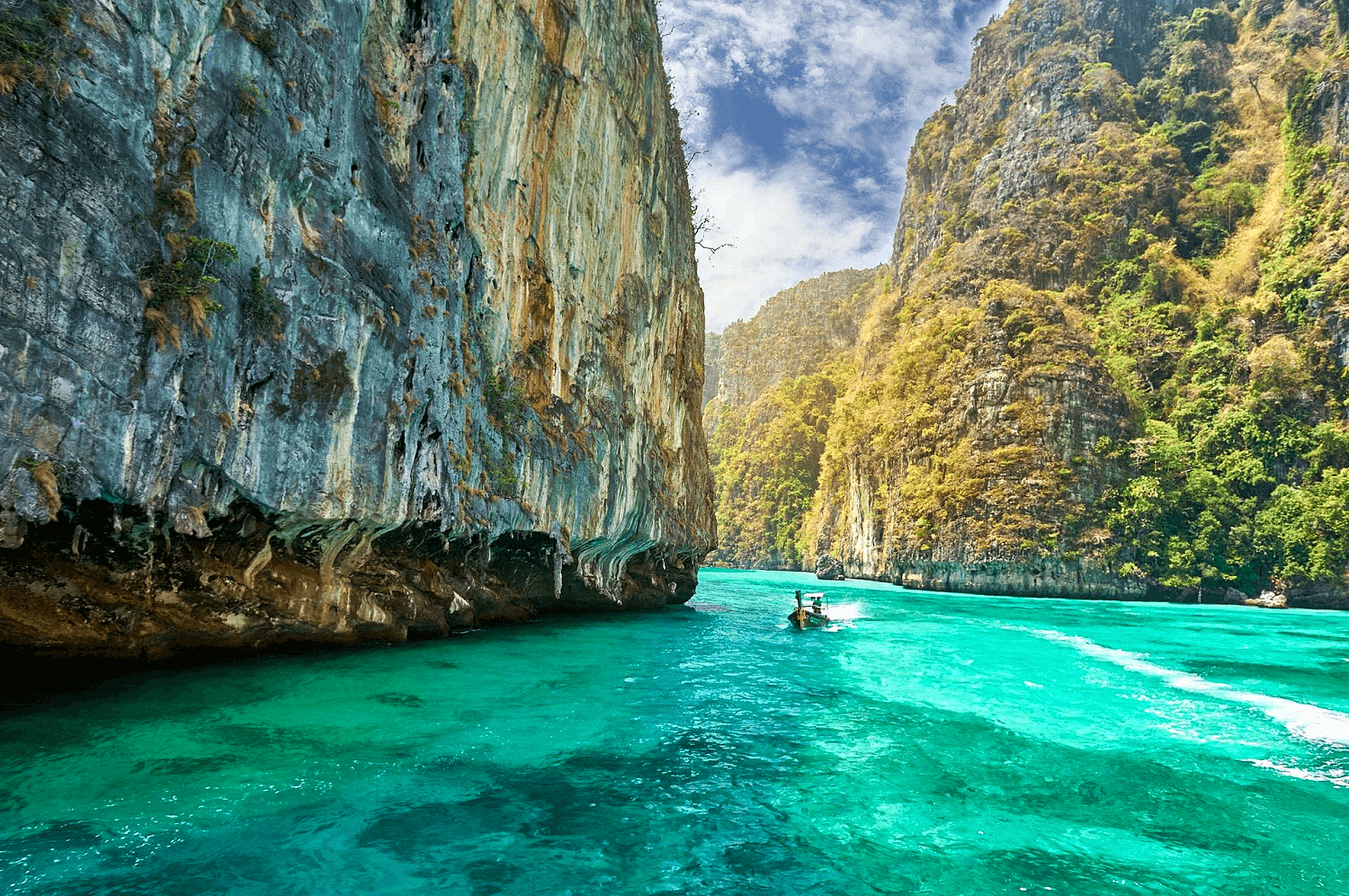 Pileh Bay, Phi Phi Islands